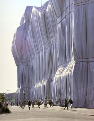 Wrapped Reichstag Berlin 1971-1985.